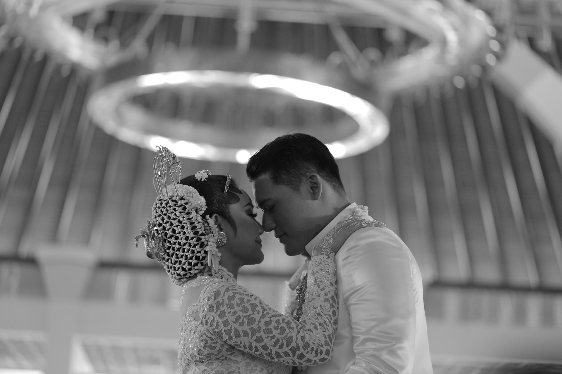 Wedding-Dresses-3708