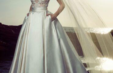 19 Coolest Autumn Wedding Dresses