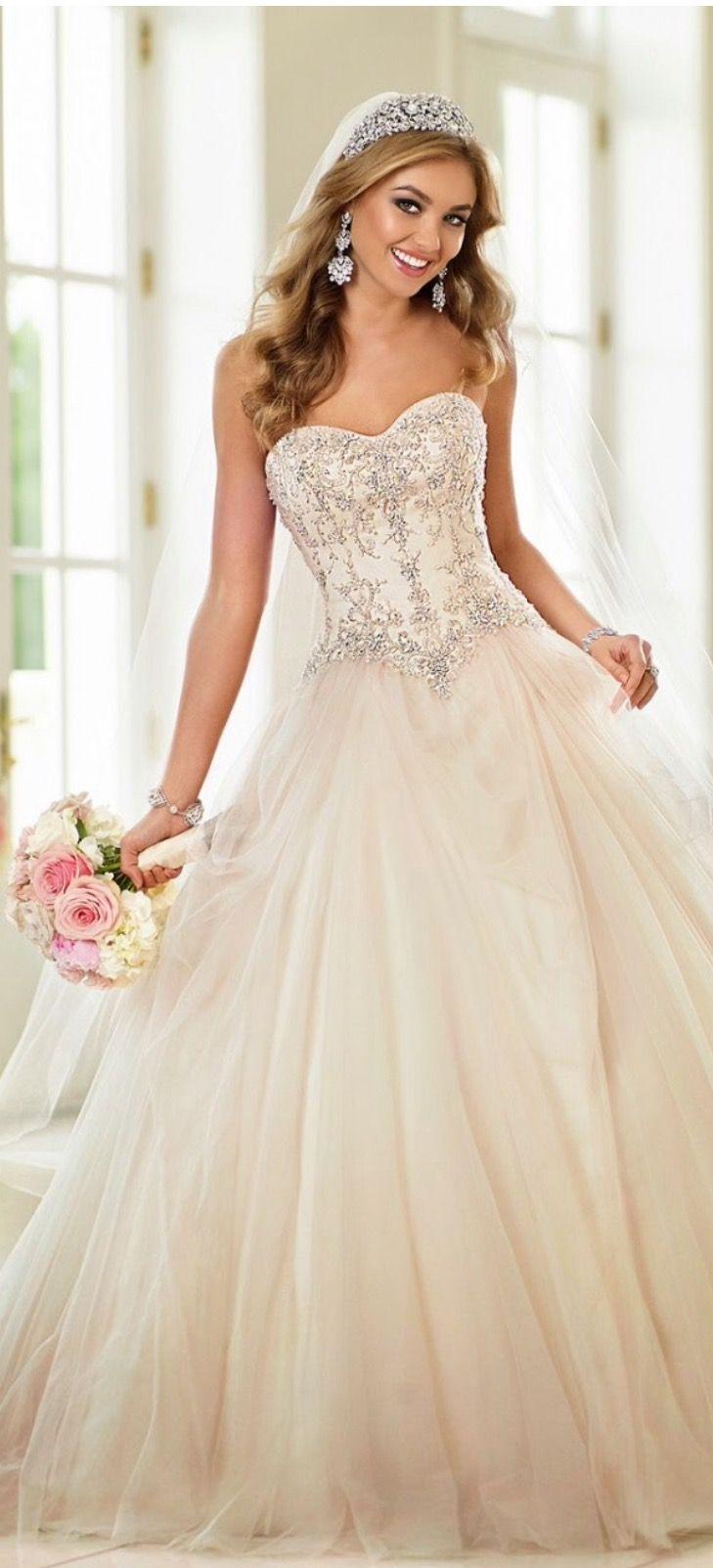 Wedding-Dresses-0141