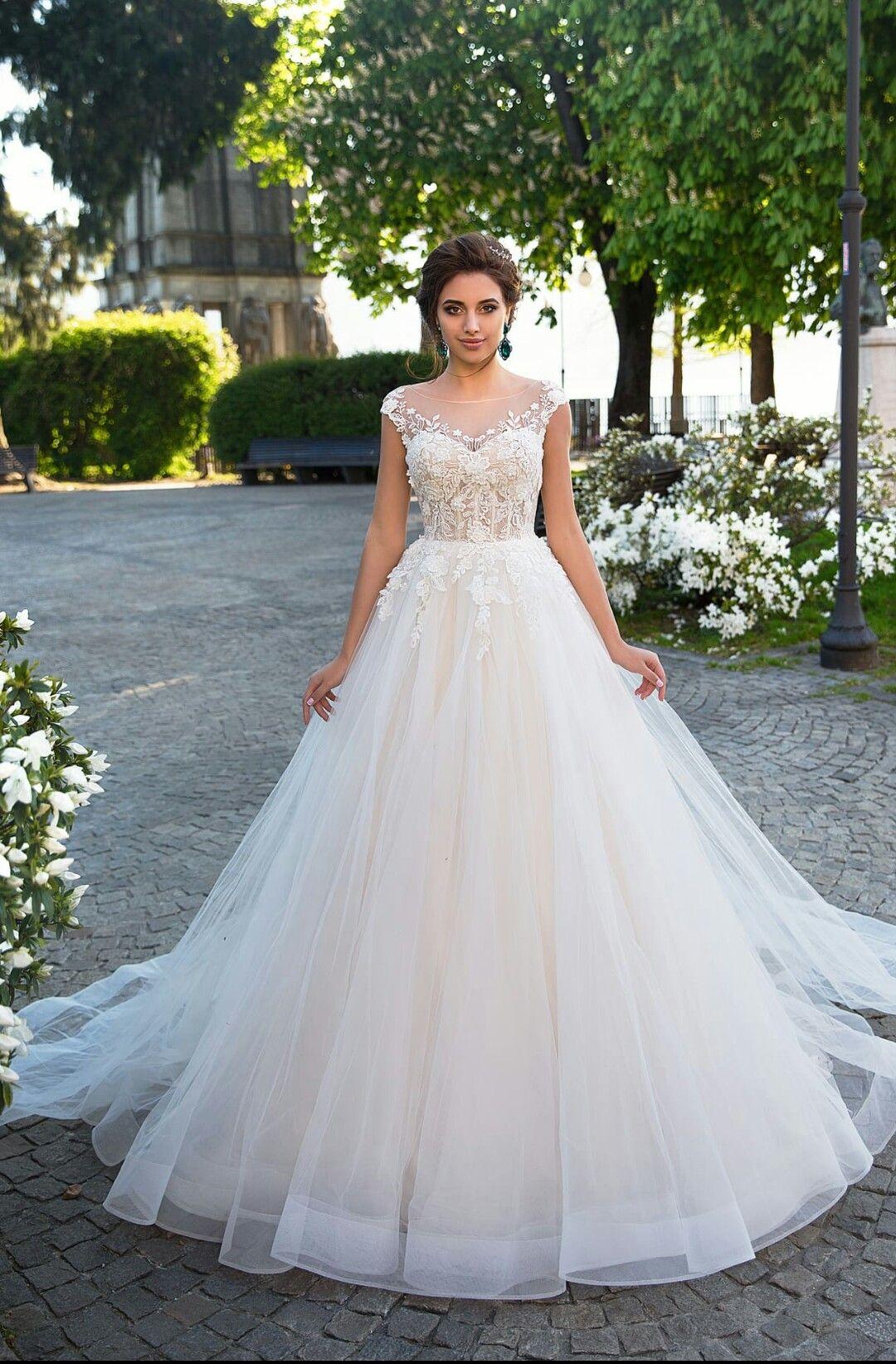 Wedding-Dresses-1720