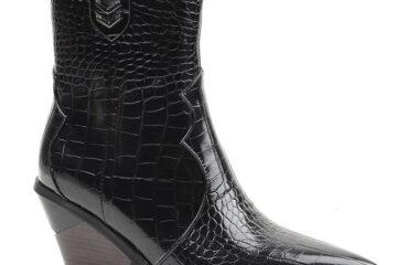 9 Remarkably Boot Shoe Rack