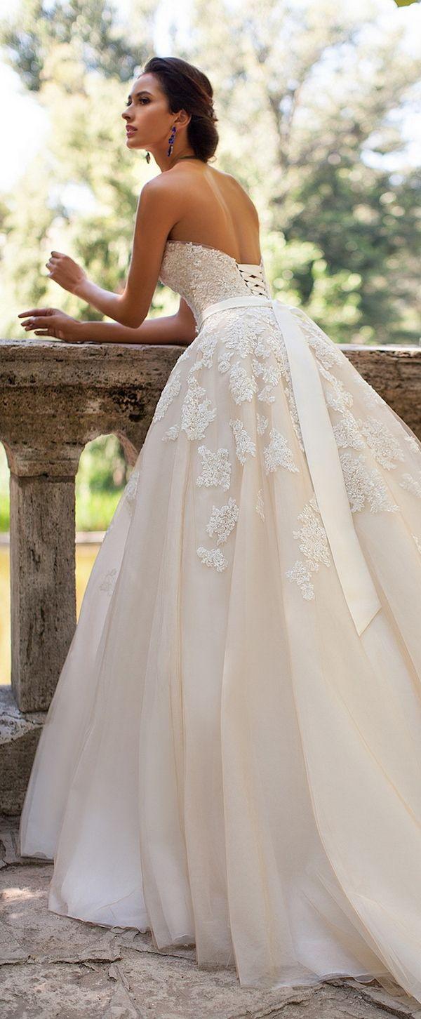 Wedding-Dresses-1674