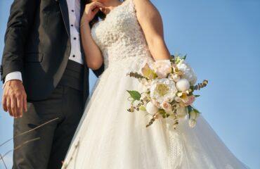 17 Perfect Cold Shoulder Dresses For Wedding