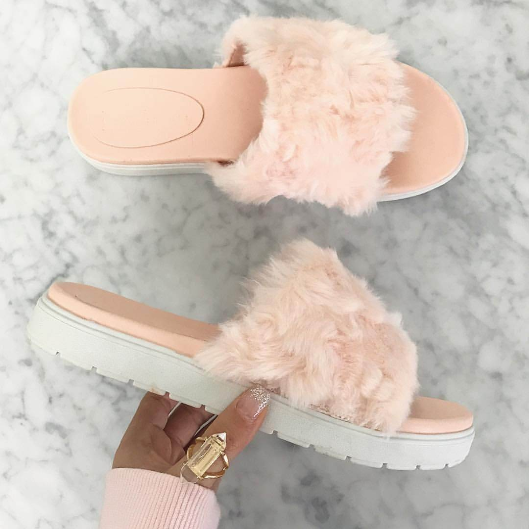 slippers-0577