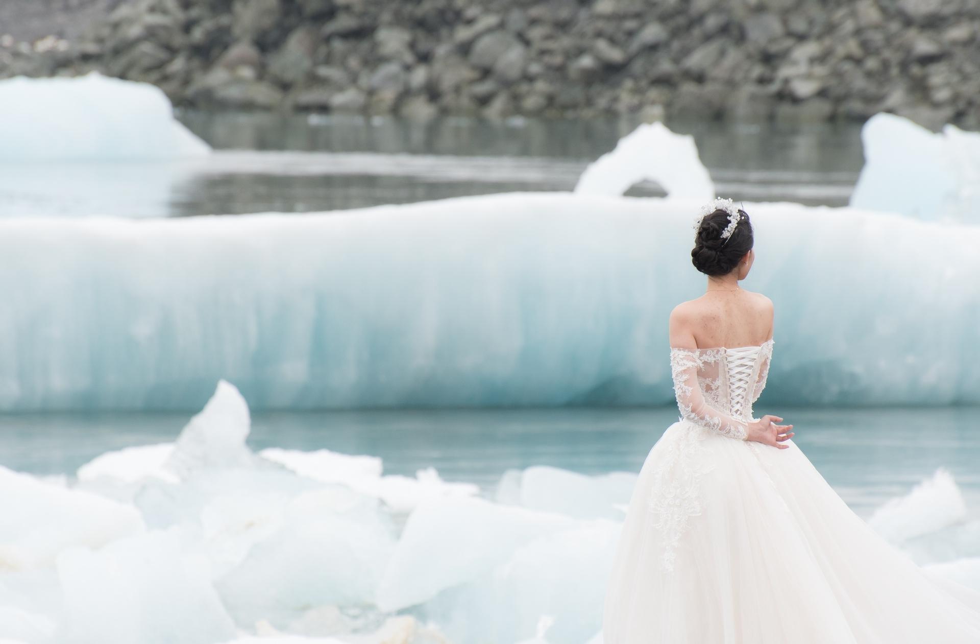 Wedding-Dresses-3698