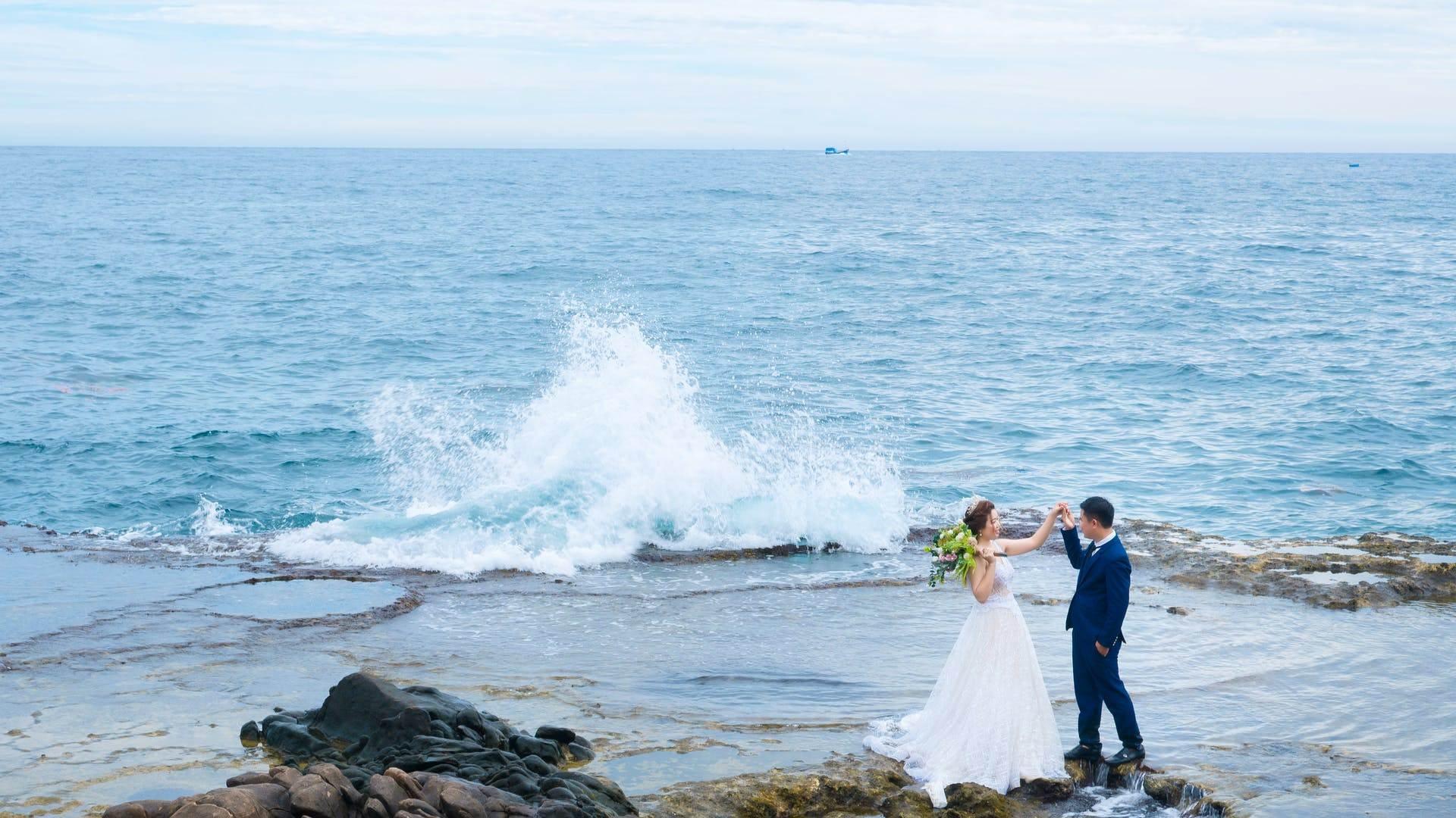 Wedding-Dresses-3040