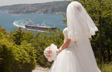15 Exquisite  Designer Beach Wedding Dresses
