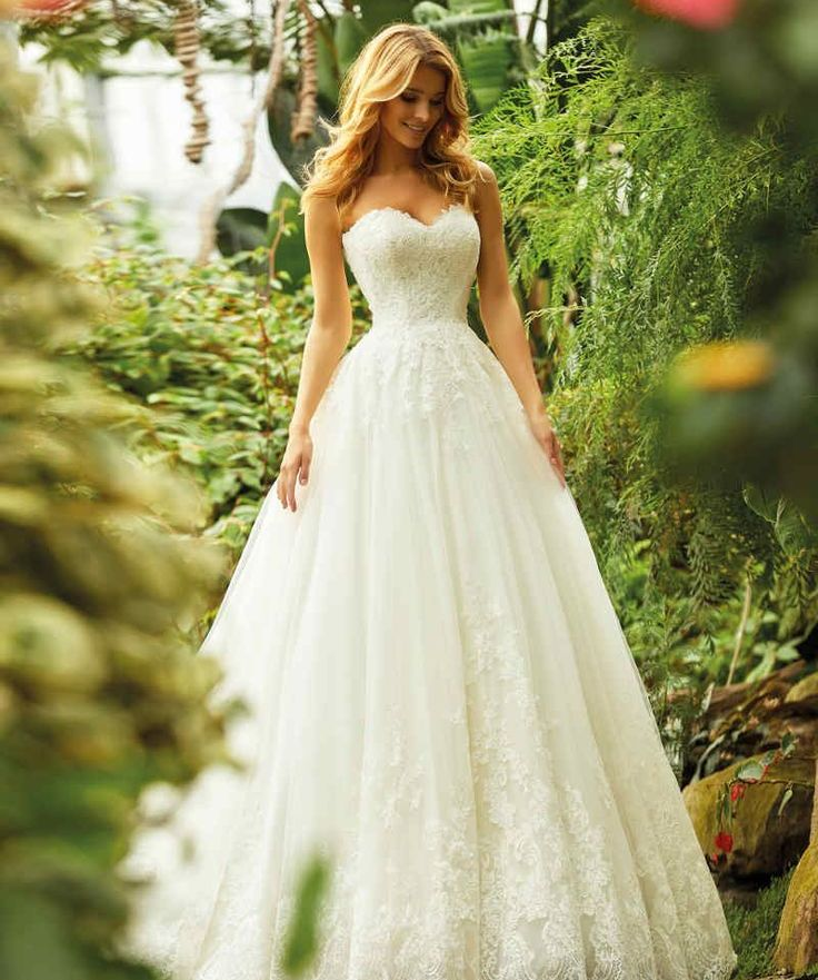 Wedding-Dresses-2216