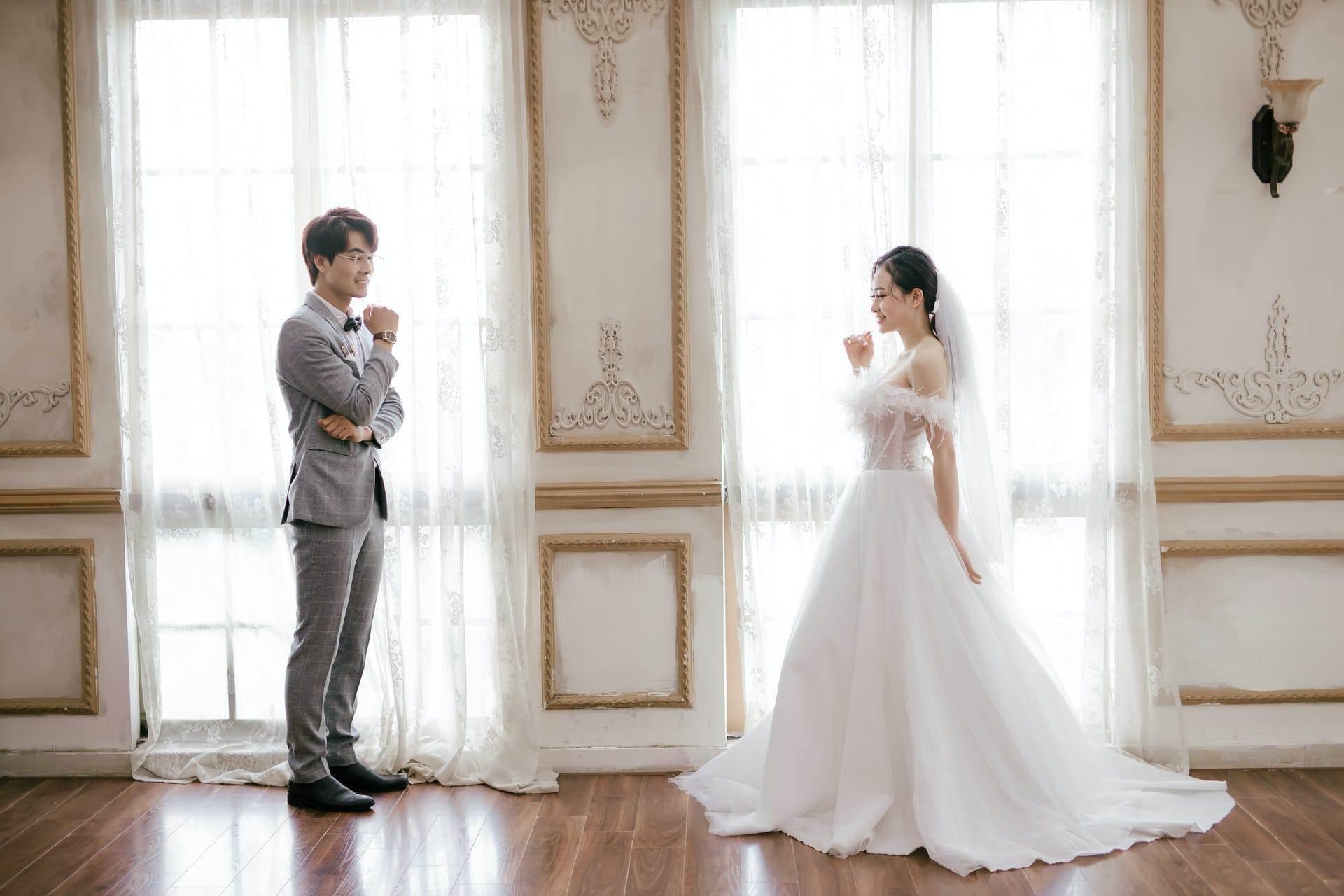 Wedding-Dresses-2560