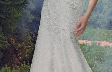 16 Most Beautiful Flowy Wedding Dress