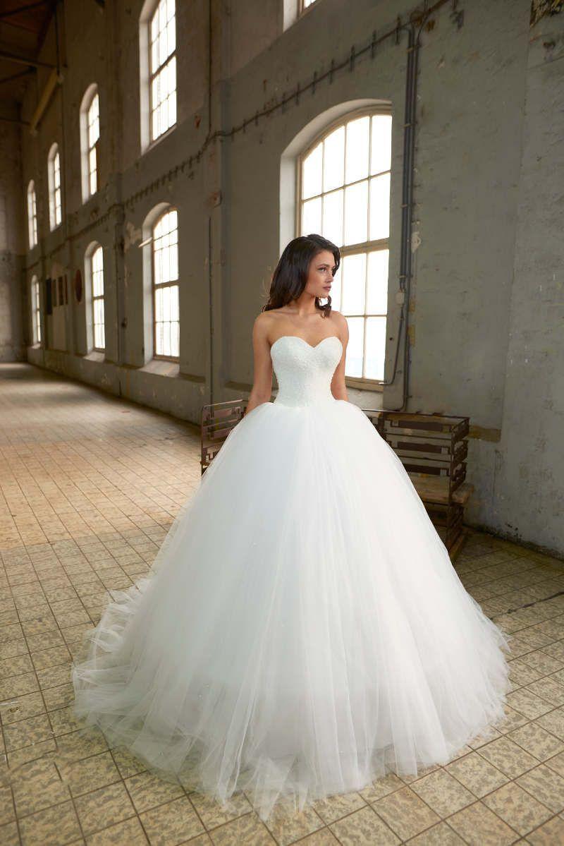 Wedding-Dresses-2056
