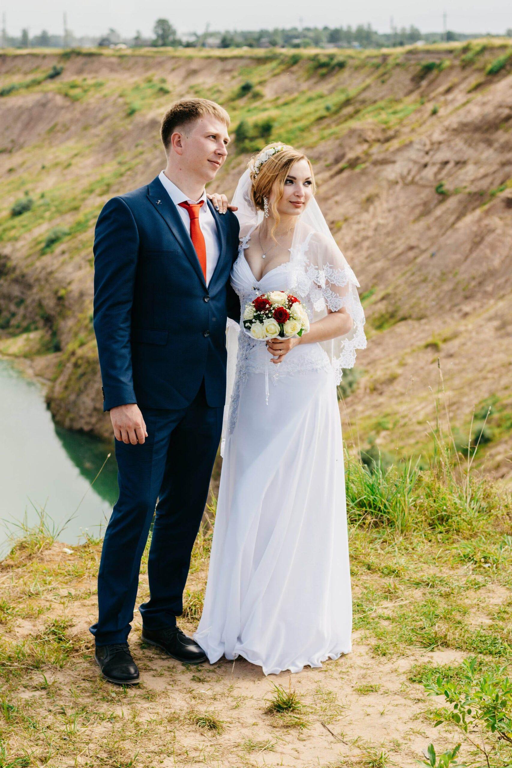 Wedding-Dresses-3584