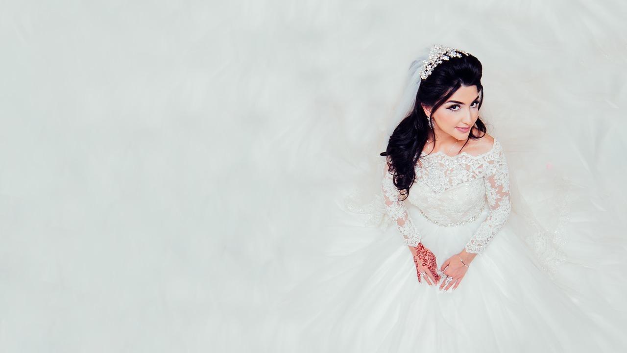 Wedding-Dresses-1999