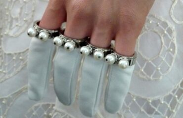 13 Beautiful Ladies Long Evening Gloves
