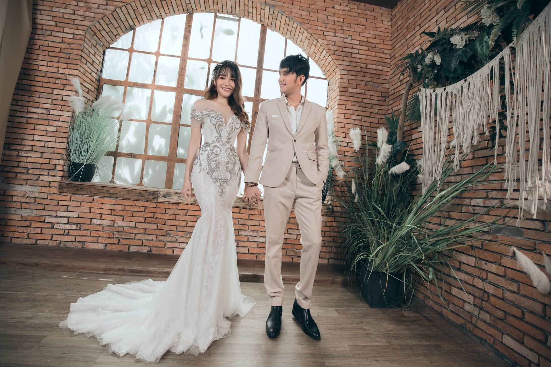 Wedding-Dresses-3356