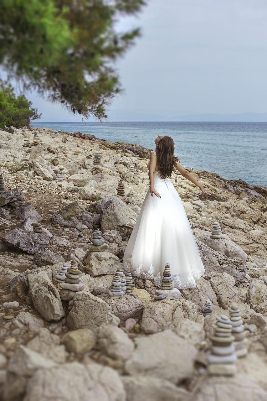Wedding-Dresses-3318