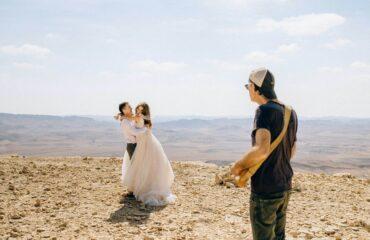 17 Cute Plus Size Long Sleeve Wedding Dress