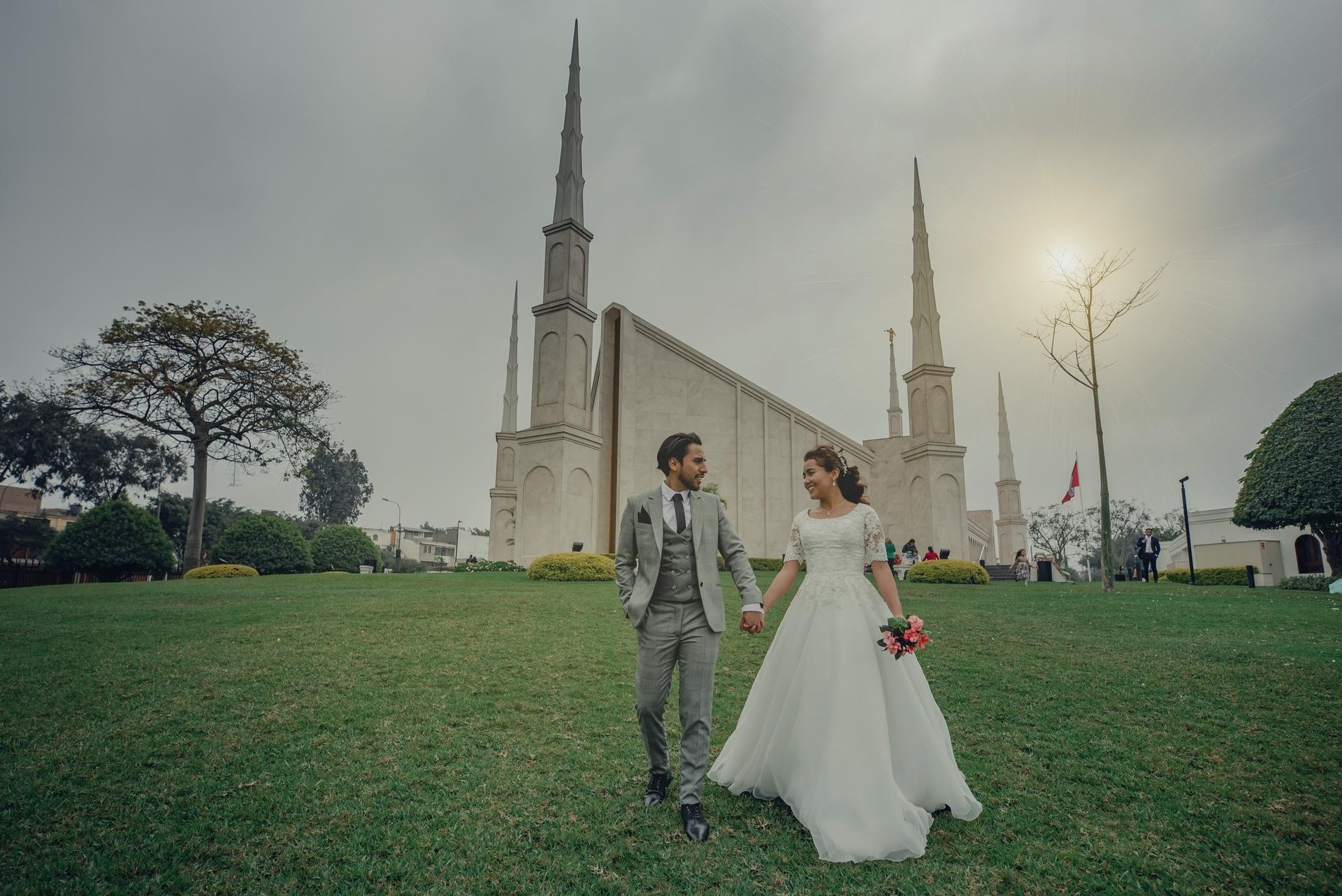 Wedding-Dresses-3775