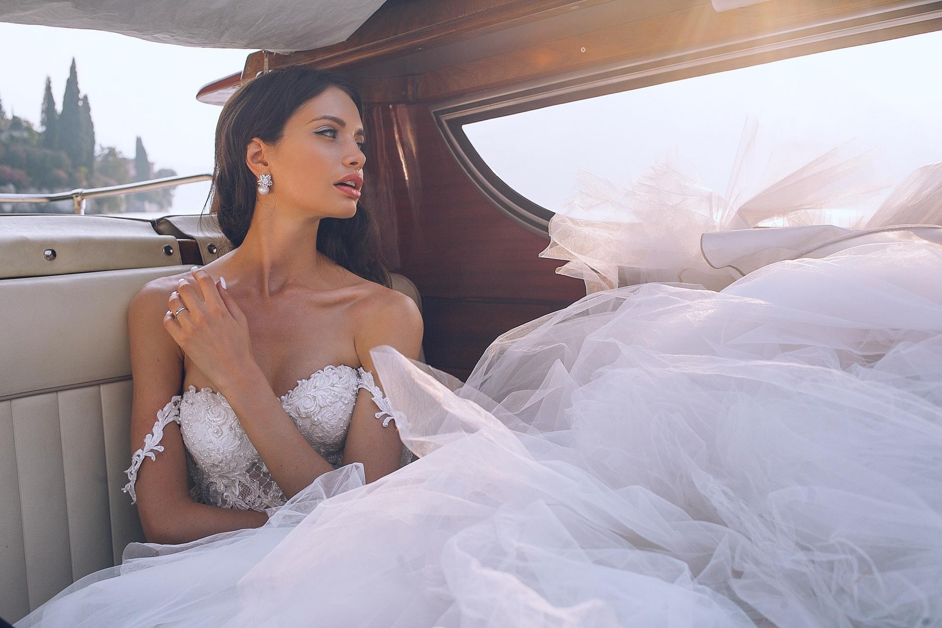 Wedding-Dresses-3767