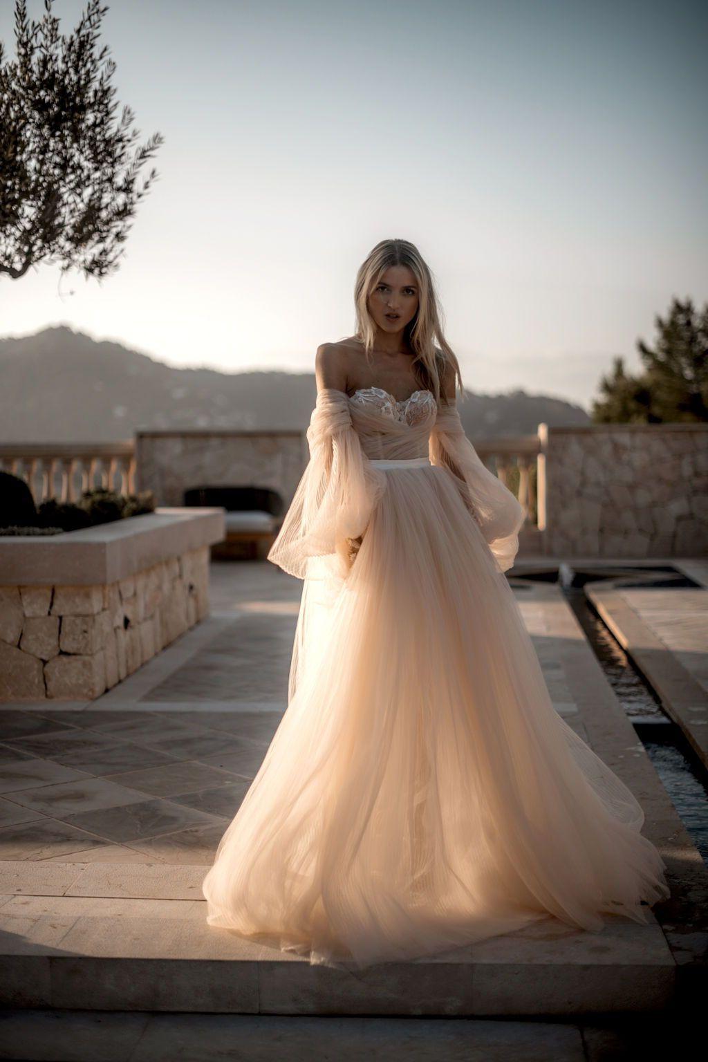Wedding-Dresses-2350