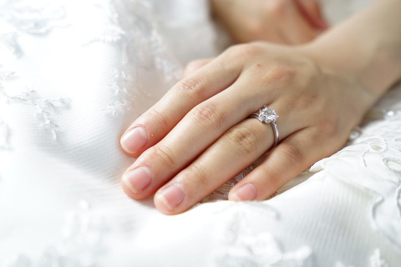 Wedding-Dresses-2340
