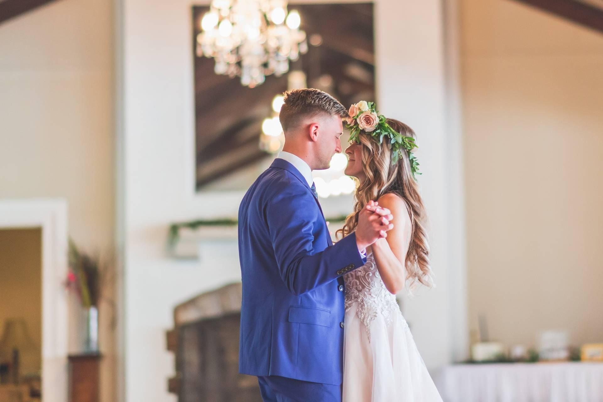 Wedding-Dresses-3917