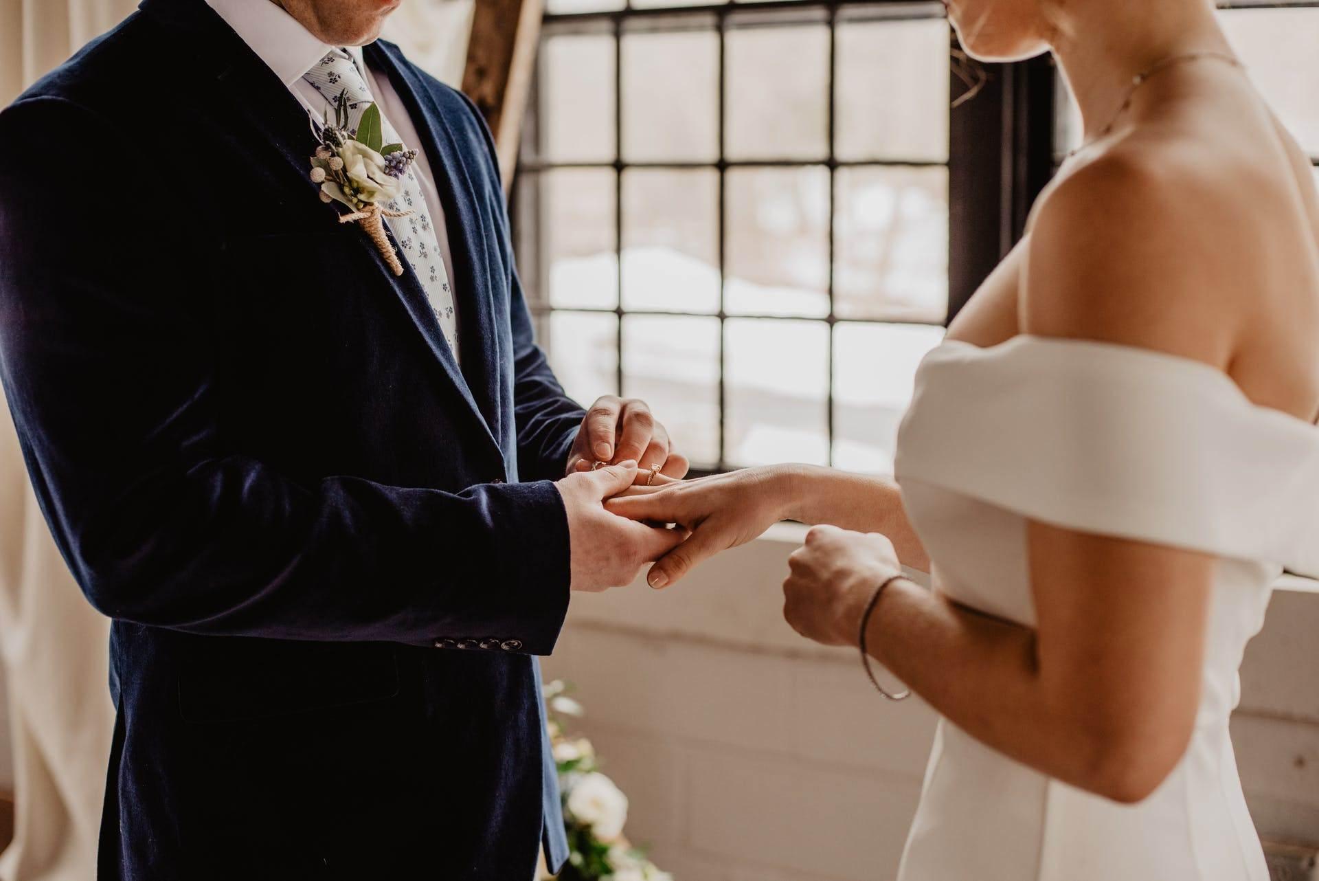 Wedding-Dresses-2315