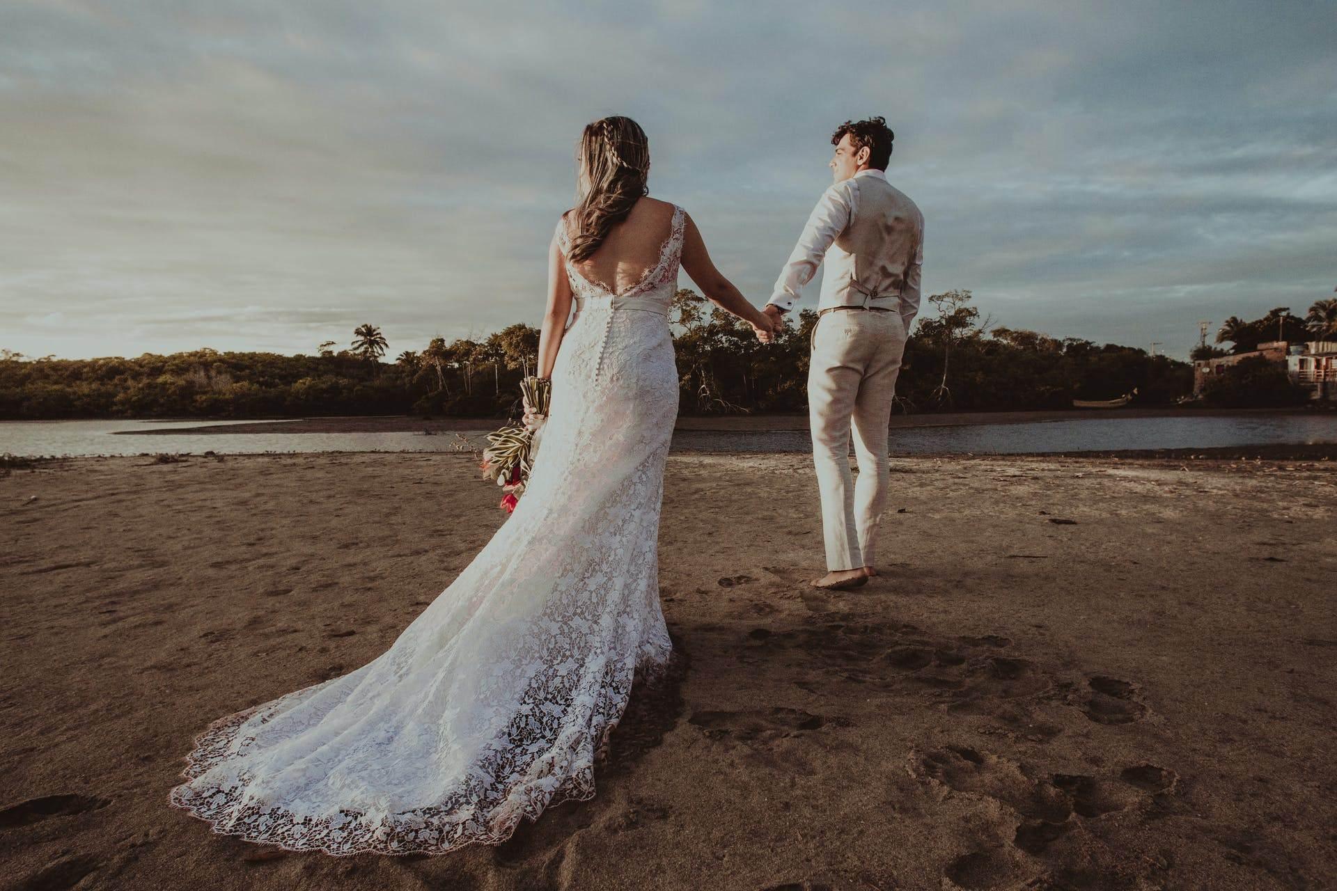 Wedding-Dresses-3178