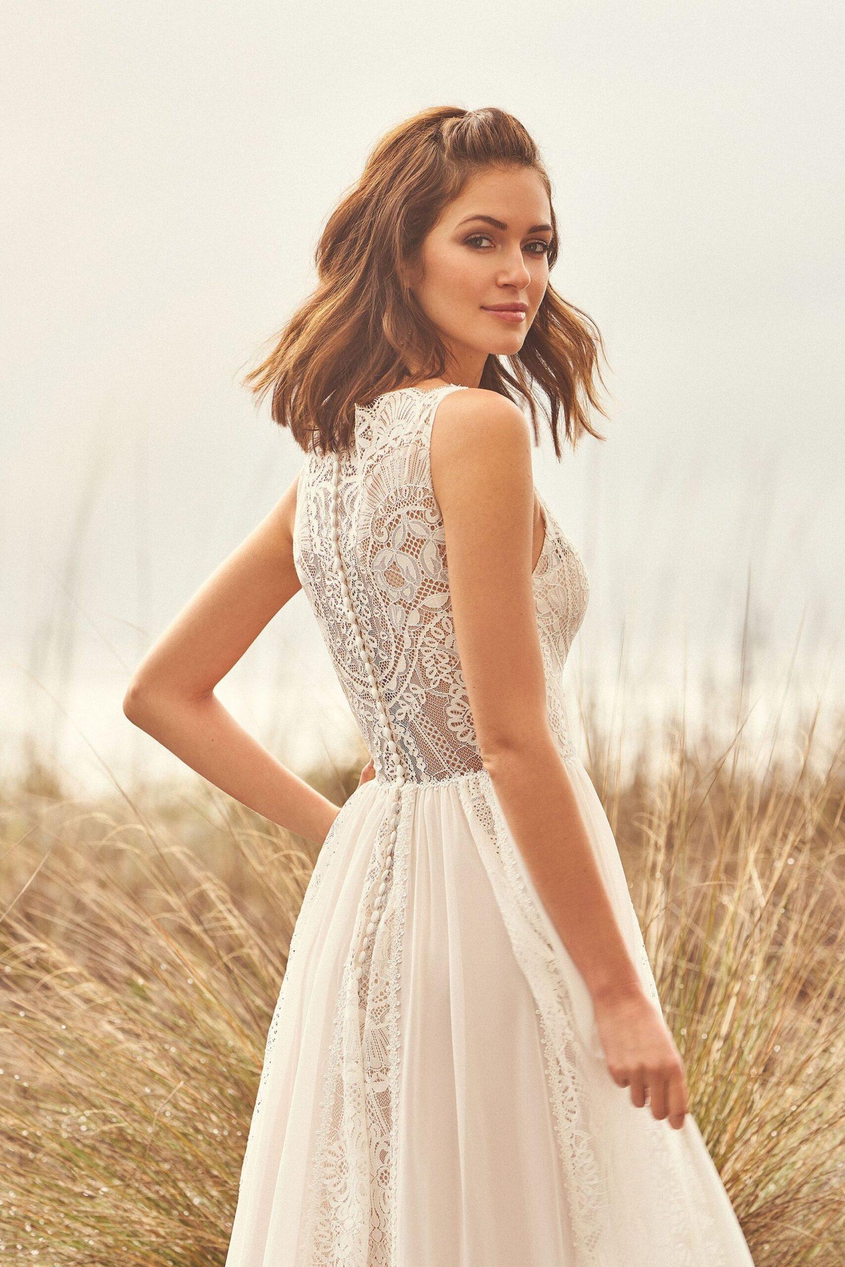 Wedding-Dresses-3689