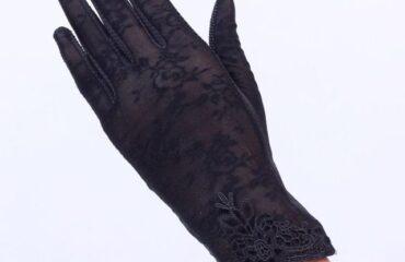 18 Stylish Silver Evening Gloves