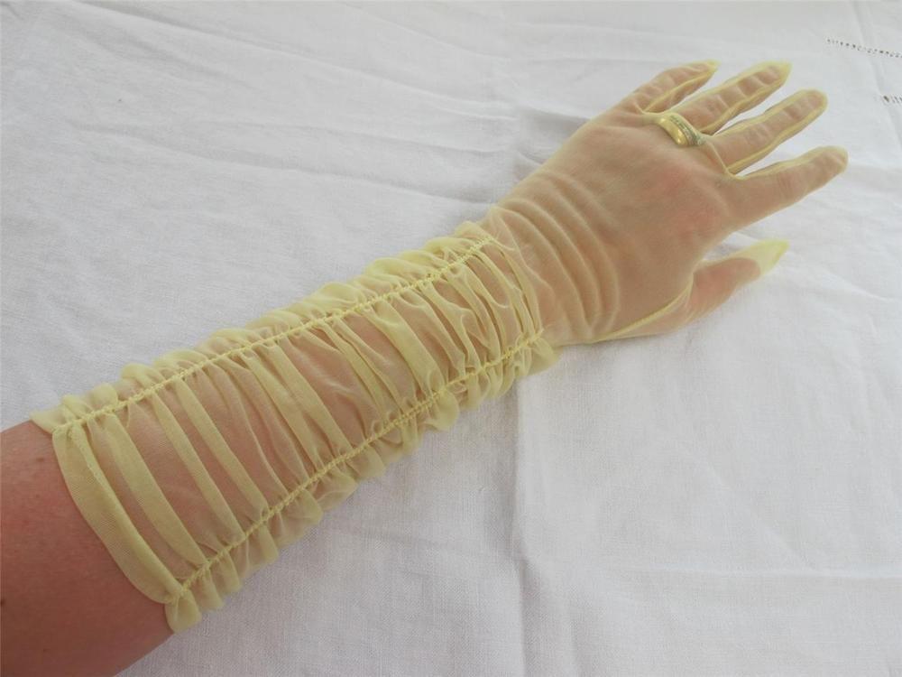Evening-Gloves-1025
