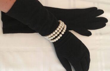 18 Trendiest Silver Evening Gloves