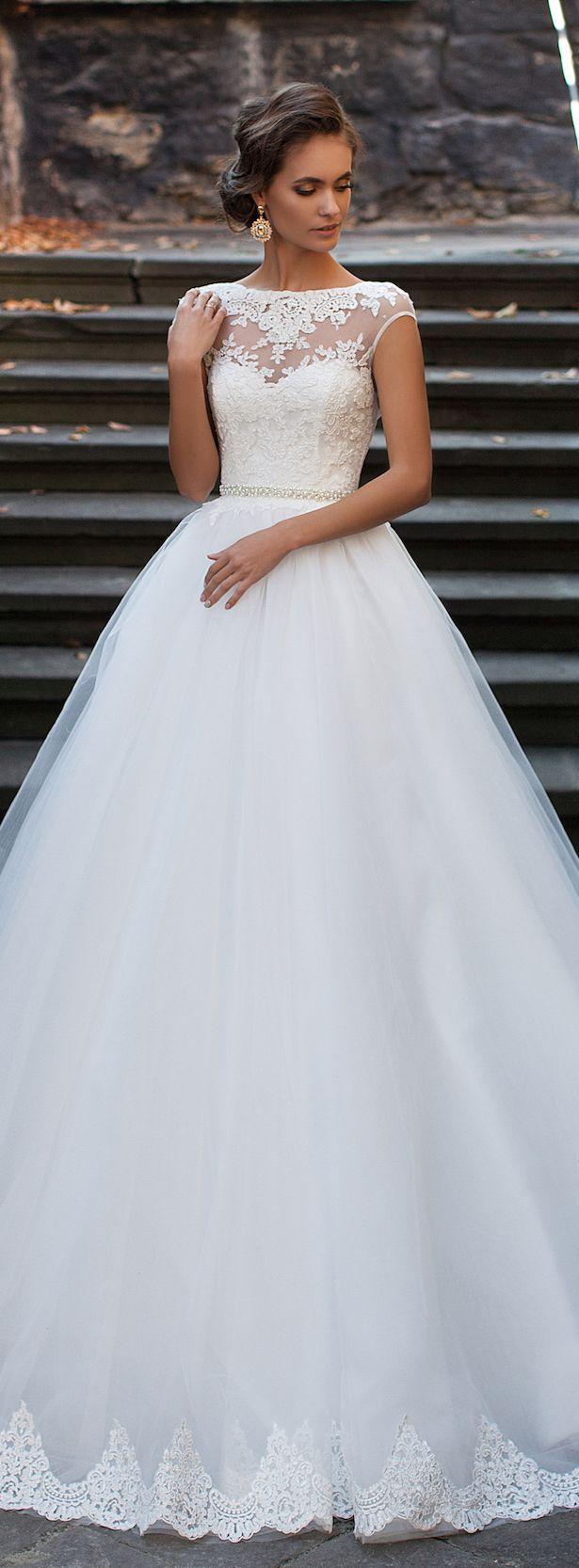 Wedding-Dresses-1079