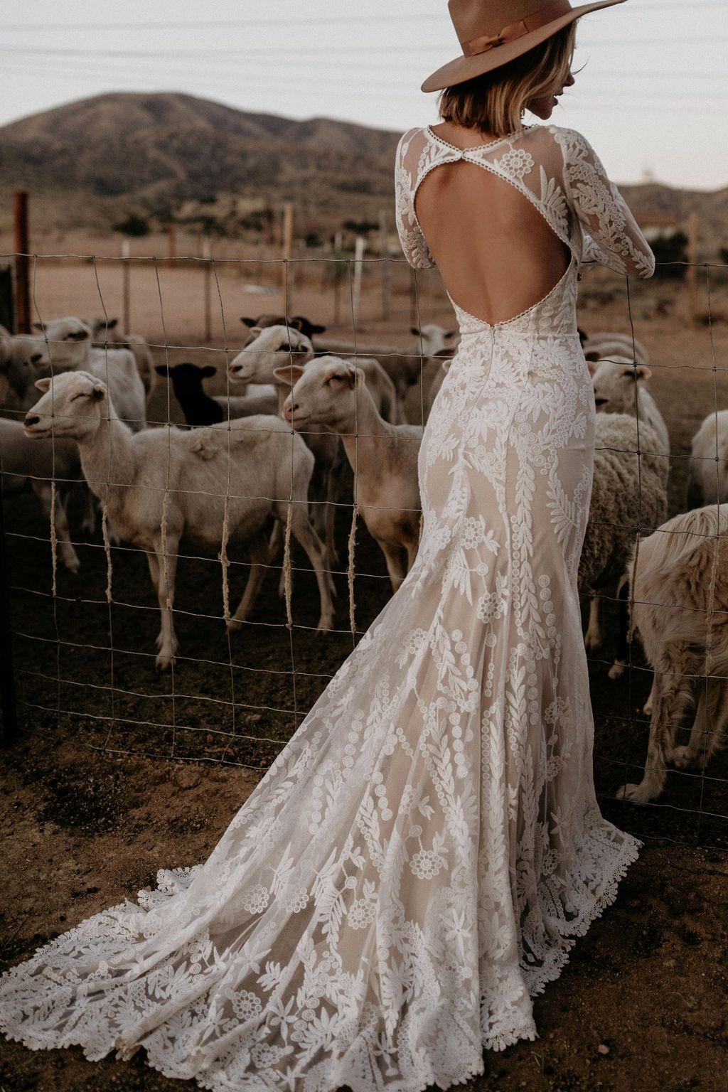 Wedding-Dresses-3082