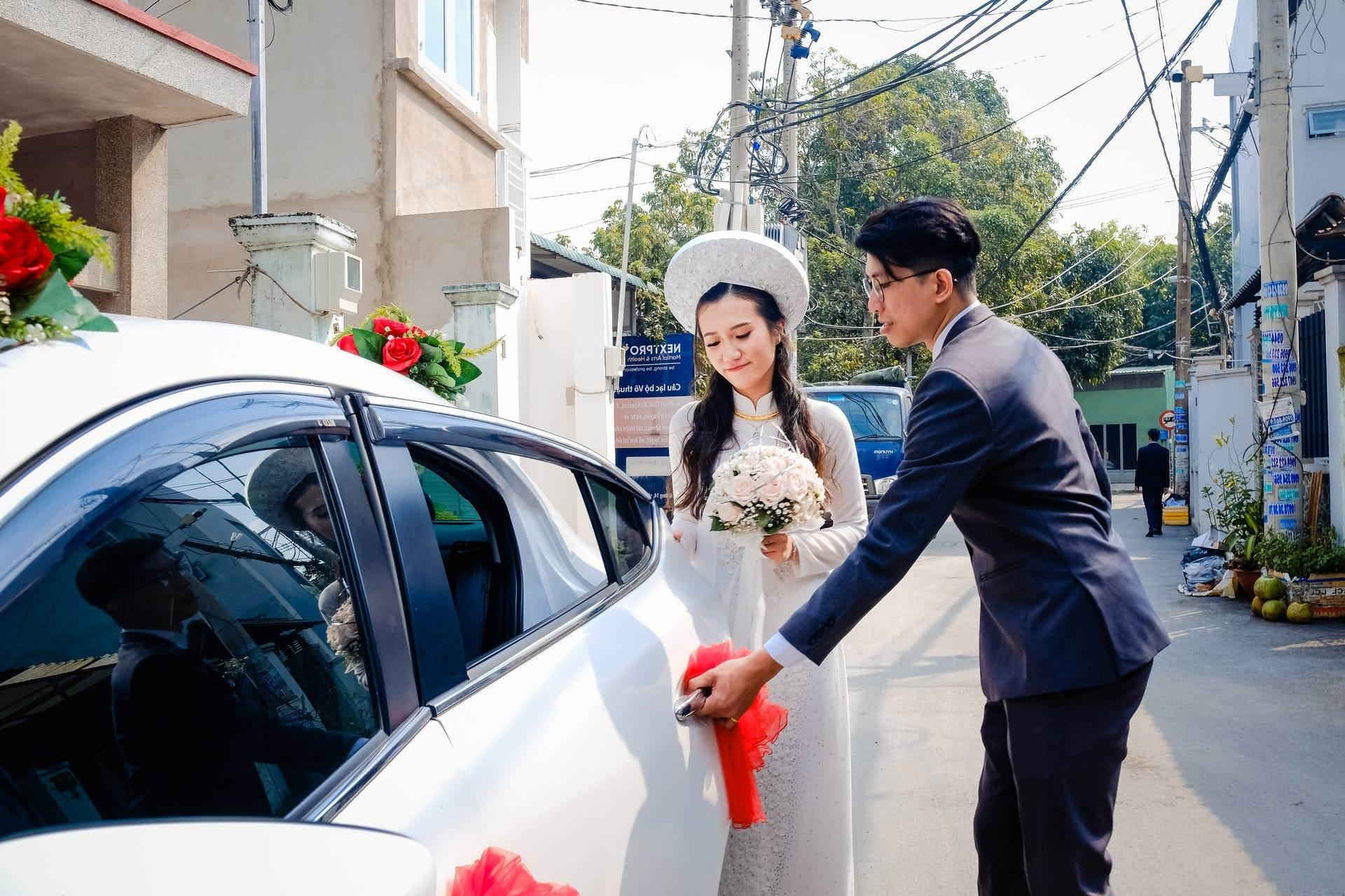 Wedding-Dresses-3325