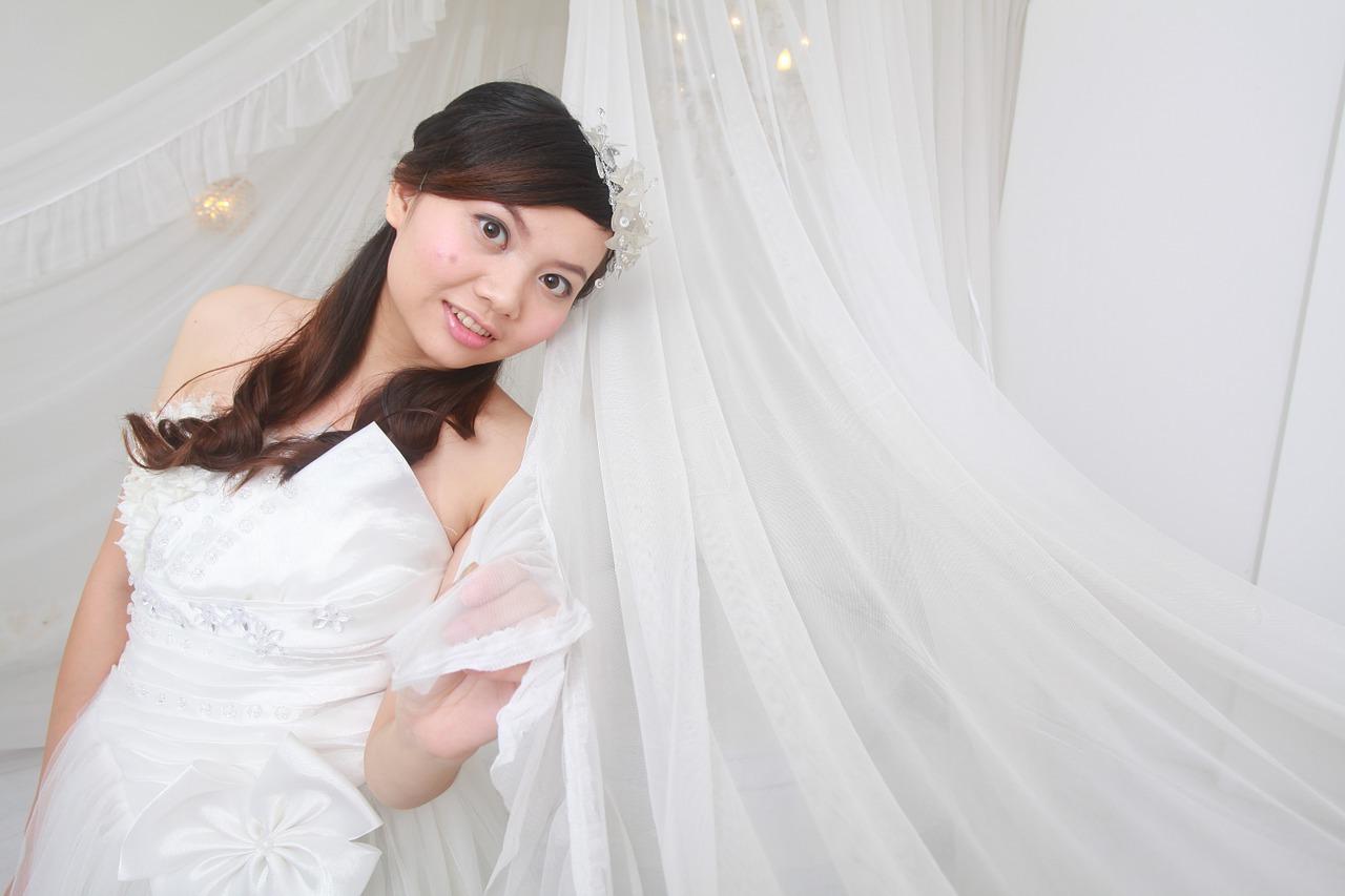 Wedding-Dresses-2400