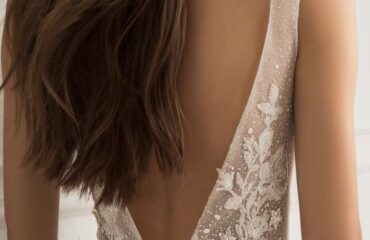 8 Stylish Wedding Dresses For Petite Brides