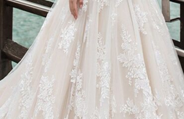 15 Beautiful Wedding Dresses For Seniors