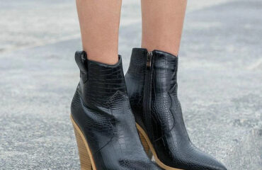 5 Most Beautiful White Boots Shoes