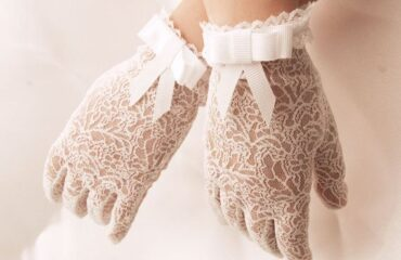 13 Most Beautiful White Evening Gloves