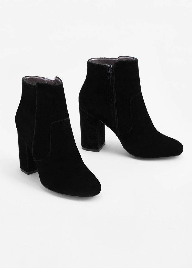 Boots-Shoes-1021