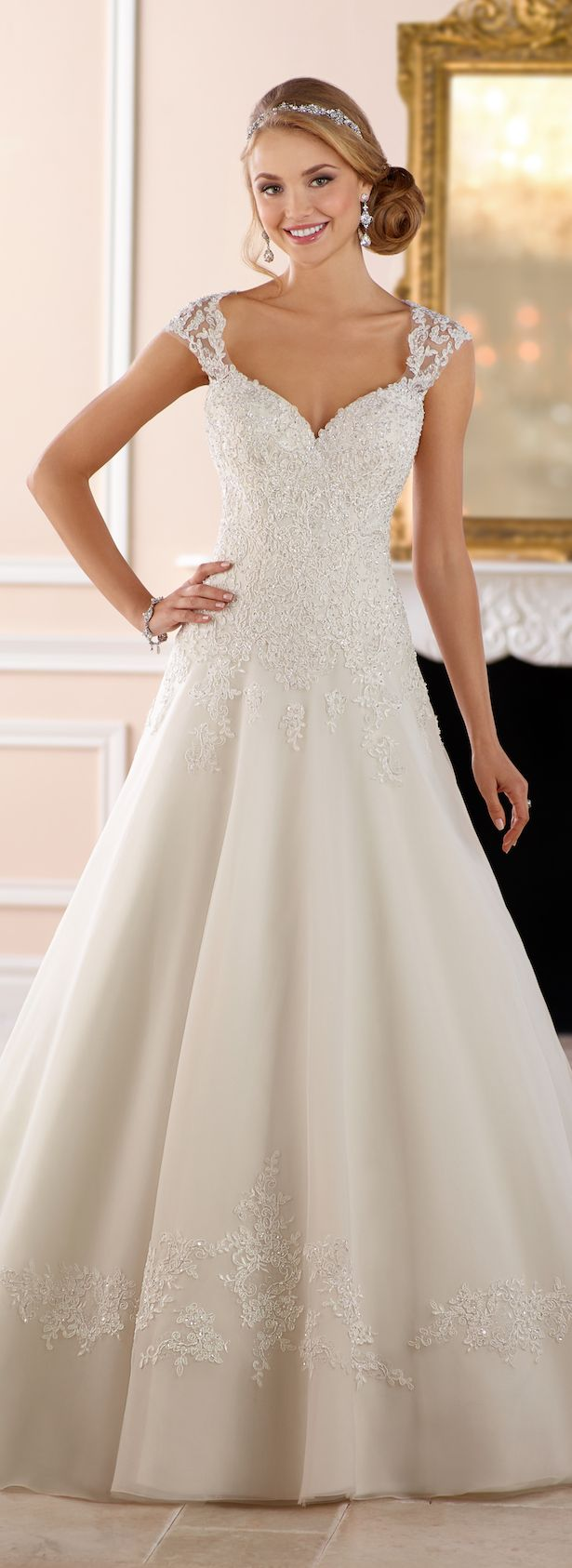 Wedding-Dresses-1189